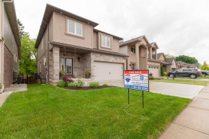 NEW PRICE! 33 Michael Dr., Welland $529,900